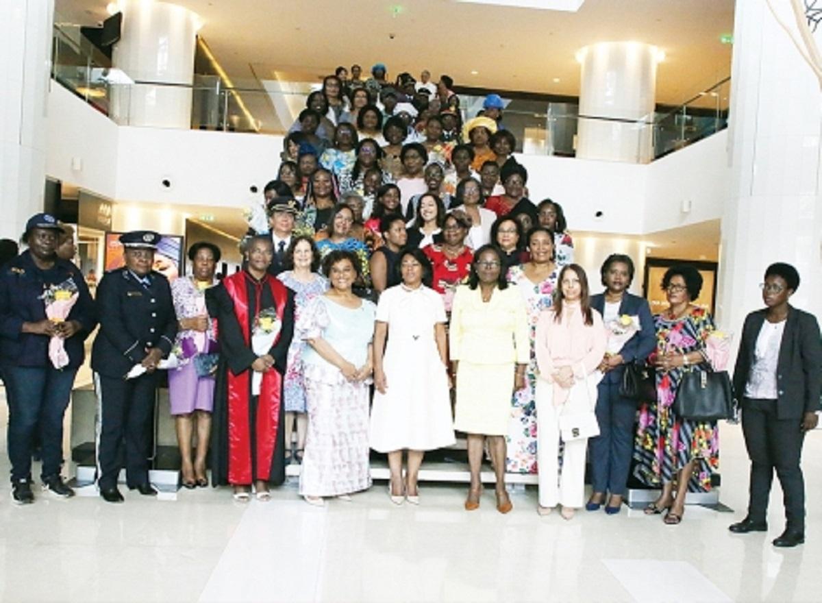 Governo atribui 155 bolsas de estudo para Cursos de Mestrado e Doutoramento